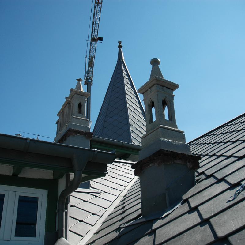 Dettaglio lavoro rimozione amianto rifacimento tetto