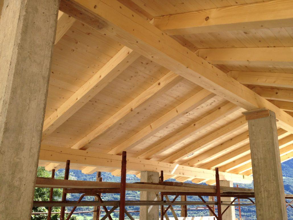 Rifacimento tetto in legno awesome tetti strutturax il for Costo tetto in legno al mq