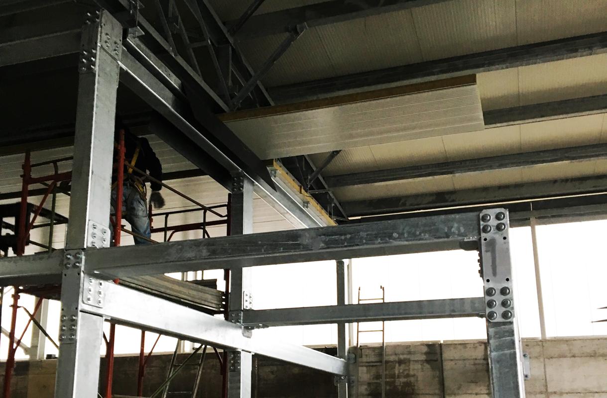 Strutture in ferro, tetti, scale, pensiline - PAGLIERO COPERTURE
